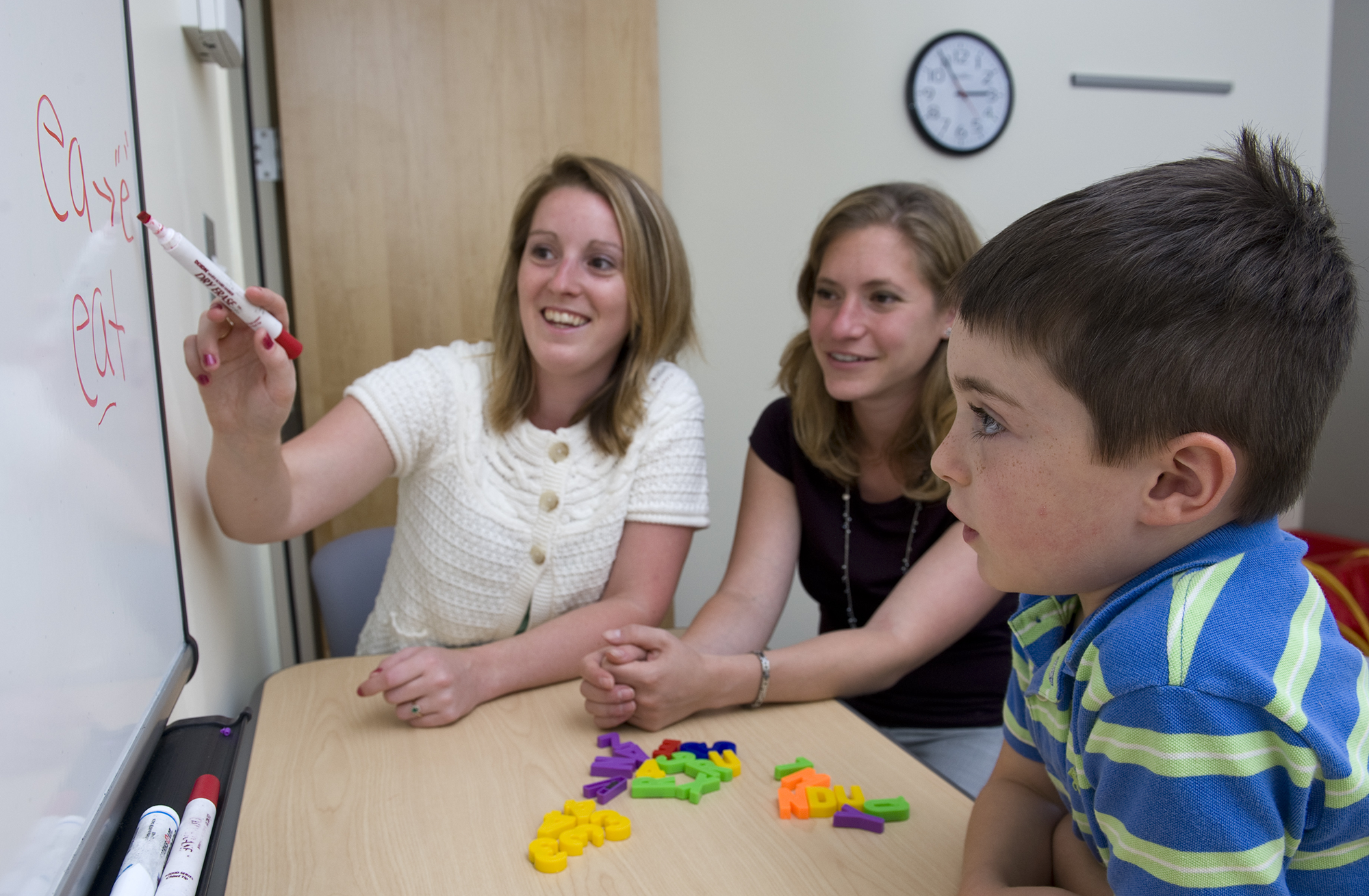 MS-SLP students in a clinical setting in a school