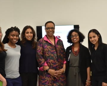 (L-R) Alexa McWhinnie, DEN '20, IHI Open School, Kassandra Petit, DEN '20, MEDS, Bani Singh, DEN '20, MEDS, Speaker Dr. Joan Reede, Dr. Leah Gordon, Assistant Director for Multicultural Programming and Inclusion, and Shameem Dean, SLP '19, MEDS.