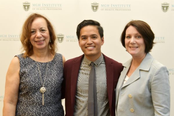 Johny Chau (c) with Dean Inez Tuck (l) and Program Director of the Prelicensure/Generalist Programs Suellen Breakey