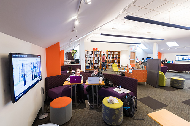 Photo of the collaborative area of the Bellack Library & Study Commons