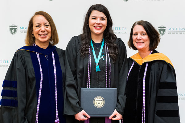 Hannah Rose Brickley (c) with Dean Inez Tuck (l) and Program Director of the Prelicensure/Generalist Programs Suellen Breakey